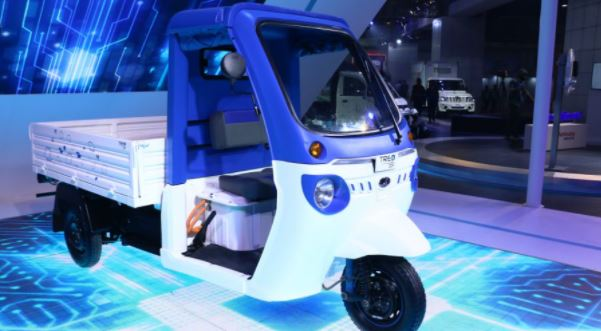 Amazon Will Begin To Use Three-Wheeled EVs For Deliveries In Seven Indian Cities