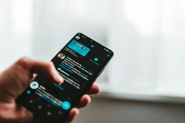 How to Oppose Fake News on Social Media