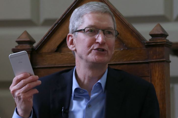 Apple Claims It's Going to Make iPhones Entirely Using Recycled Materials